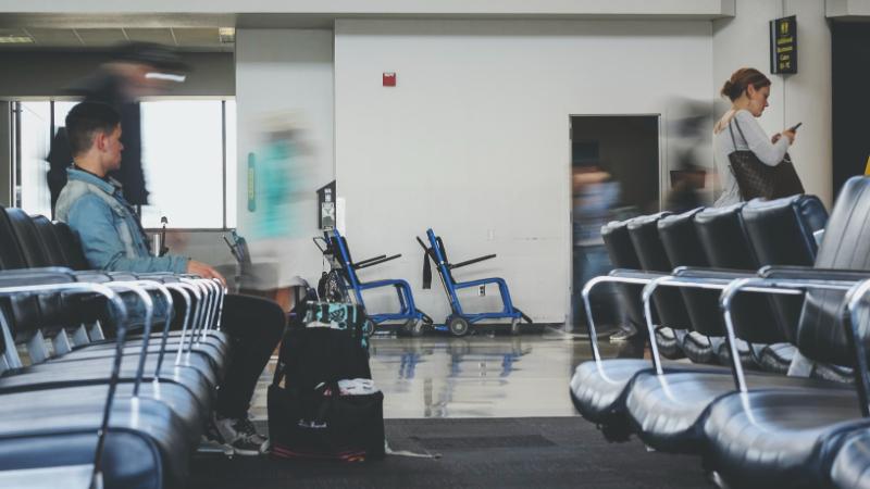 Moderné apohodlné cestovanie na letisko